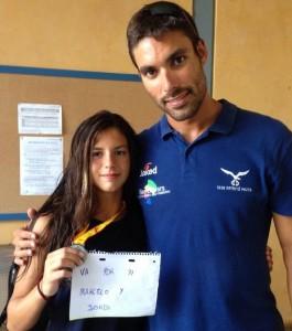 Lucia amb Javi Cardona, dedicant la medalla de plata als seus entrenadors